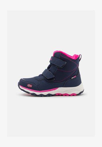 KIDS HAFJELL UNISEX - Zimní obuv - navy/pink