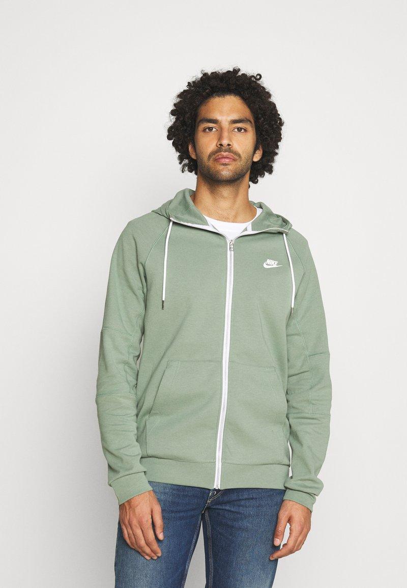 Nike Sportswear - Zip-up hoodie - spiral sage/ice silver/white