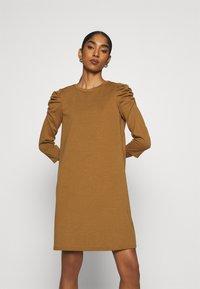 ONLY - ONLVIOLA DRESS - Robe en jersey - rubber - 0