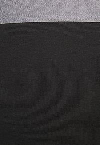 Pier One - 3 PACK - Pants - black/khaki - 7