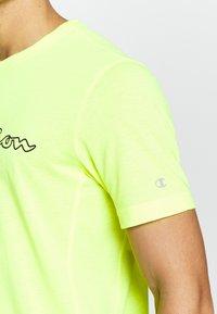 Champion - QUIK DRY  - Camiseta estampada - yellow - 4