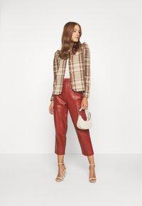 DAY Birger et Mikkelsen - PIGEON - Leather trousers - tulip - 1