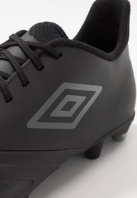 Umbro - UX ACCURO III PREMIER FG - Moulded stud football boots - black/white - 5