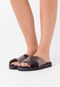 flip*flop - CROSS METALLIC - Slippers - dark grey - 0