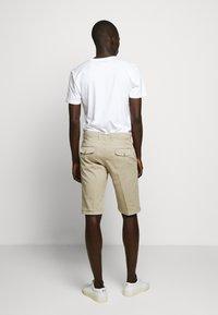 DRYKORN - KRINK - Shorts - beige - 2