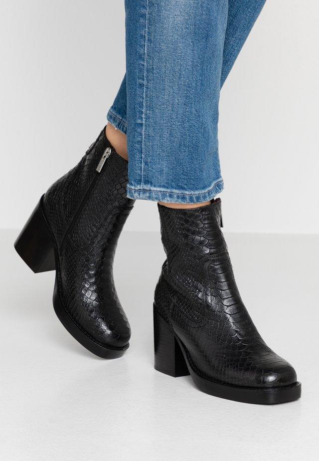 BULA-VARD - Kotníková obuv na vysokém podpatku - black