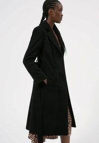 HUGO - MESUA - Klasyczny płaszcz - black - 4