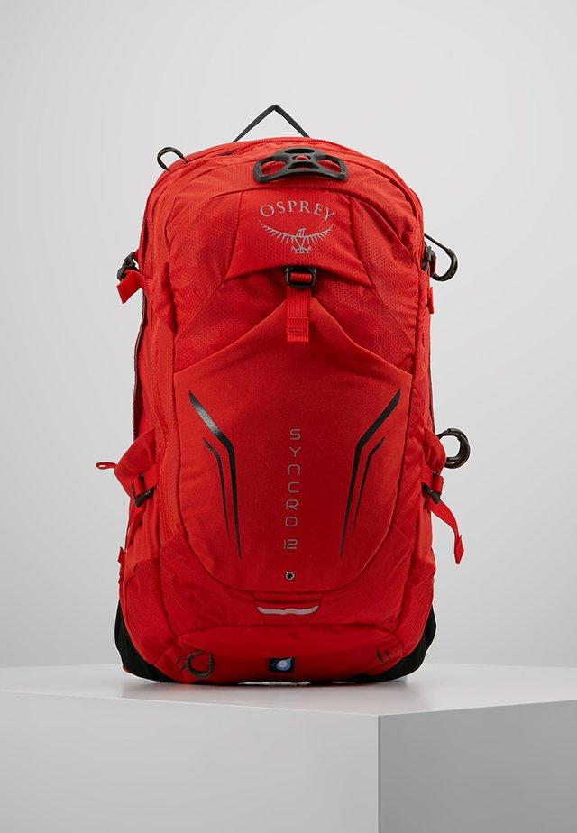 SYNCRO 12 - Sac de randonnée - firebelly red