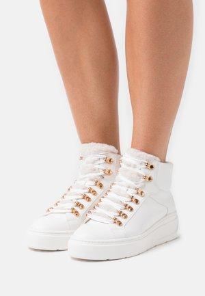 Vysoké tenisky - white/gold
