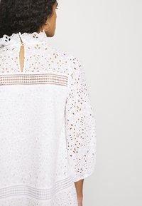 IVY & OAK - BALLOON FLOWER - Denní šaty - snow white - 5