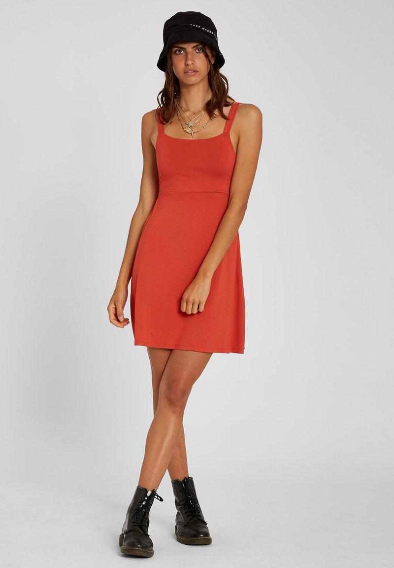 Volcom - EASY BABE DRESS - Day dress - rosewood