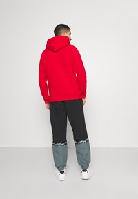 adidas Originals - TREFOIL HOOD UNISEX - Sweatshirt - scarlet - 2