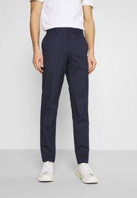 Selected Homme - SLHSLIM KYLELOGAN  - Trousers - navy blue/light blue - 0