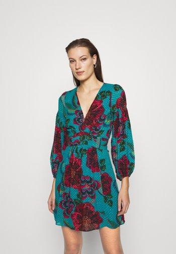BRILLIANT FLORAL DRESS