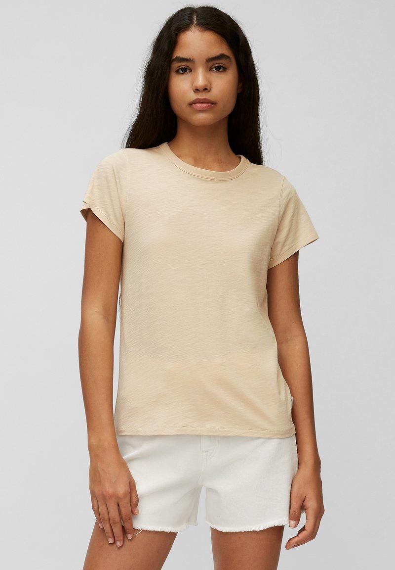 Marc O'Polo DENIM - REGULAR FIT - Basic T-shirt - island beach