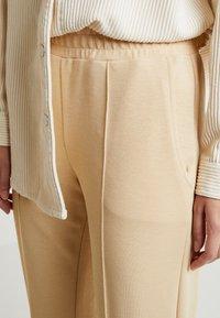 Gina Tricot - VICKY TROUSERS - Trousers - irish cream - 4