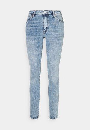 SEXY CURVE - Skinny džíny - shalla