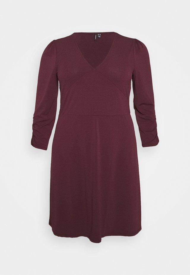 VMALBERTA VNECK DRESS - Robe en jersey - winetasting