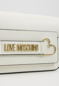 Love Moschino - Bandolera - white - 2
