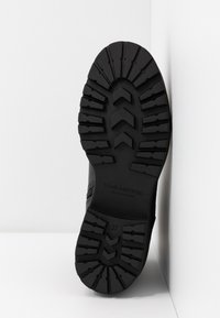 Vagabond - KENOVA - Šněrovací kotníkové boty - black - 6