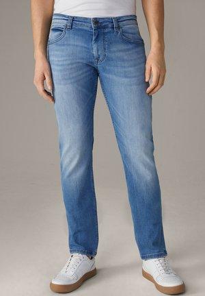 ROBIN - Slim fit jeans - hellblau