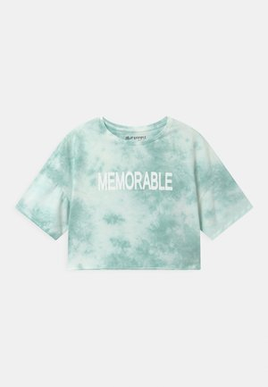 GIRLS MEMORABLE BOXY  - Print T-shirt - karibikgrün