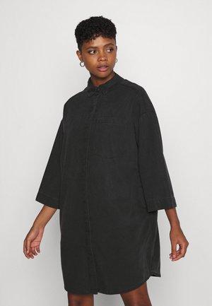 LISEN DRESS - Denim dress - black dark