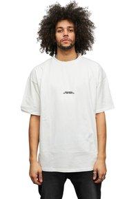Multiply Apparel - T-shirt med print - white - 1