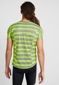 ODLO - CREW NECK ZEROWEIGHT - T-Shirt print - safety yellow/odlo graphite grey - 2