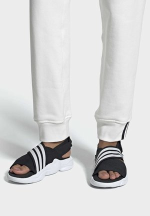 MAGMUR SANDALS - Sandalias - black