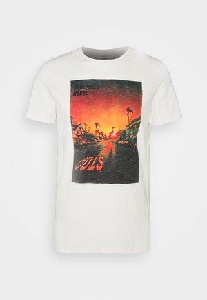 AMARI TEE - Print T-shirt - pristine