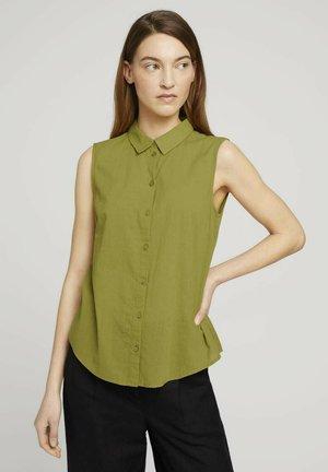 Button-down blouse - gecko green