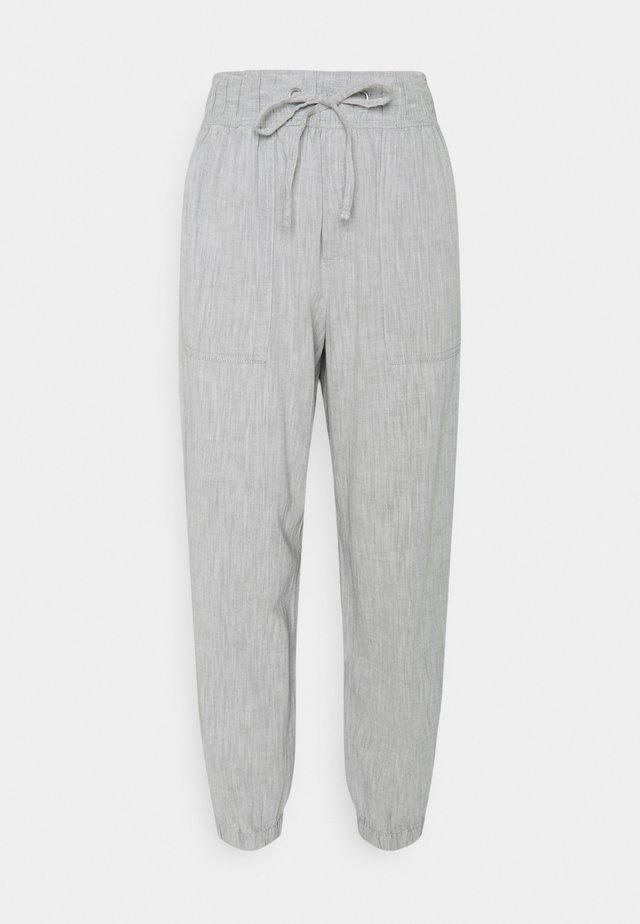 V-RIB UTILITY JOGGER - Trousers - grey chambray