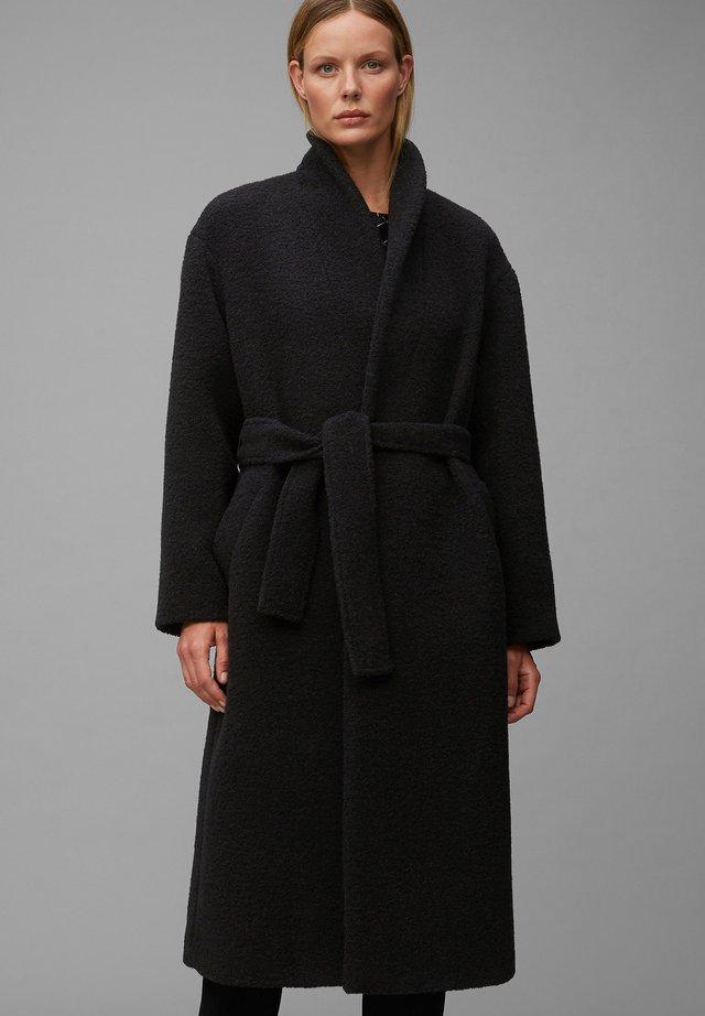 Mantel - pure black