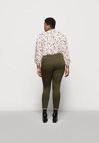Marks & Spencer London - Jeans Skinny Fit - khaki - 2
