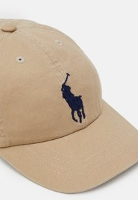 Polo Ralph Lauren - BIG APPAREL ACCESSORIES HAT UNISEX - Kšiltovka - classic khaki - 3
