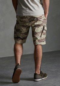 Superdry - Shorts - desert camo - 1