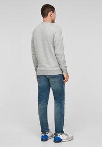 QS by s.Oliver - IM MELANGE-LOOK - Sweatshirt - grey melange - 2