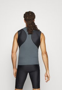 Under Armour - ROCK ISOCHILL - Top - black - 2