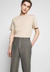 120% Lino - TAILORED TROUSERS - Trousers - anthracite - 4