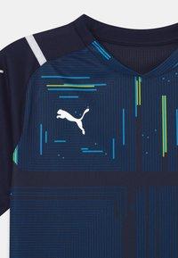 Puma - TEAM ULTIMATE - Print T-shirt - peacoat - 2