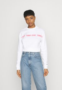 Tommy Jeans - REGULAR CROPPED TAPE CREW - Felpa - white - 0