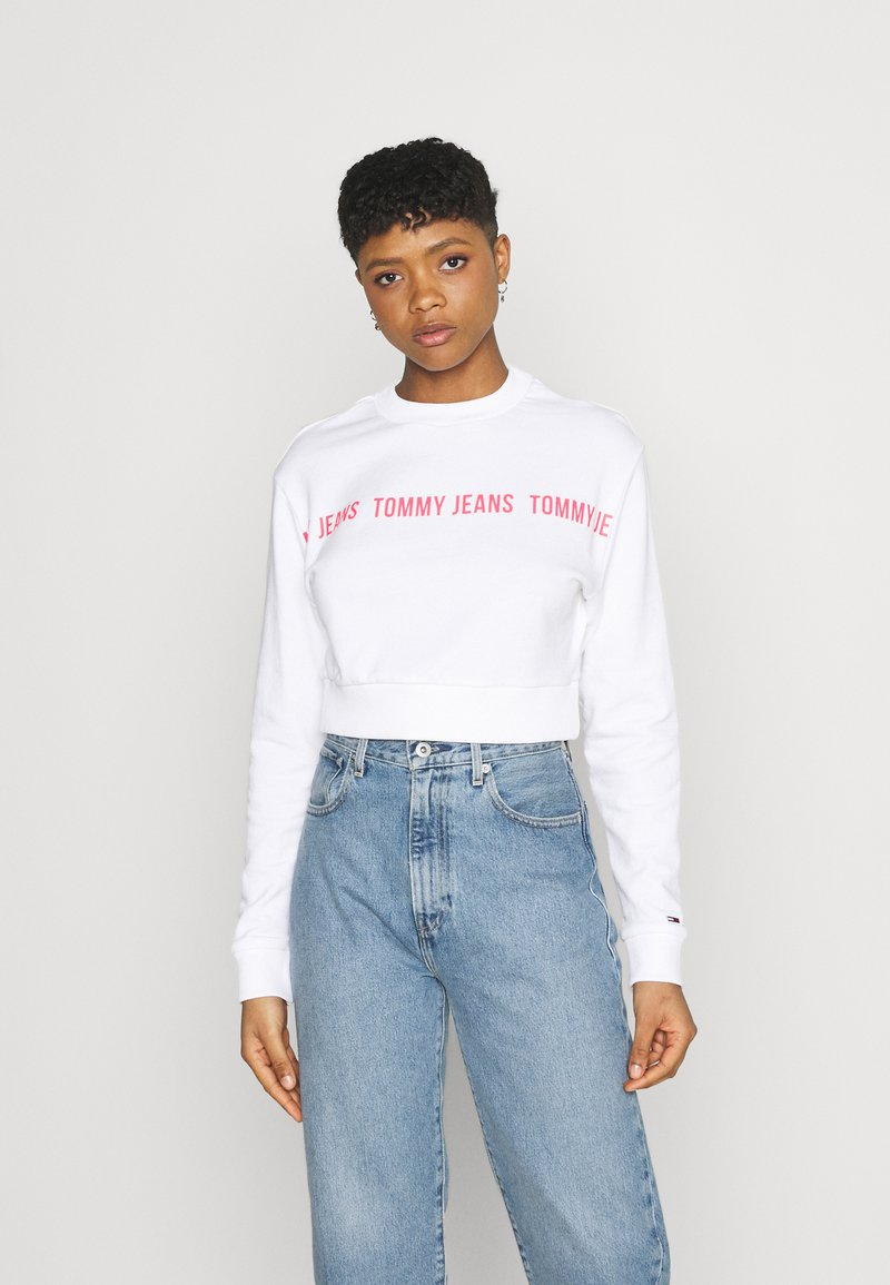 Tommy Jeans - REGULAR CROPPED TAPE CREW - Felpa - white