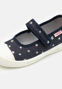 Superfit - BELLA - Domácí obuv - blau - 5