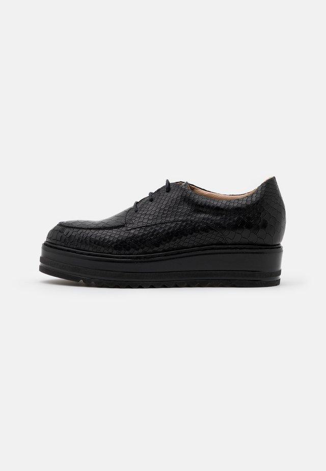 MALICE - Šněrovací boty - noir
