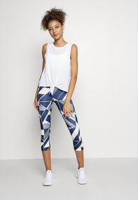 GAP - TIE FRONT MUSCLE TANK - Topper - optic white - 1
