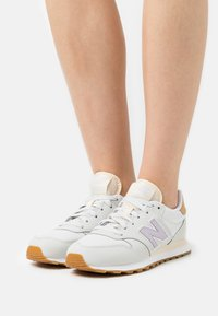 New Balance - GW500 - Zapatillas - grey - 0