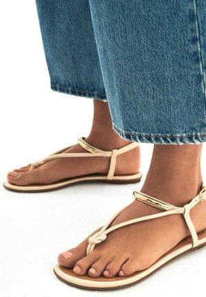 FRIDAY - Sandály s odděleným palcem - beige