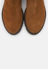 HUGO - PIPER BIKER - Cowboy/biker ankle boot - cognac - 6