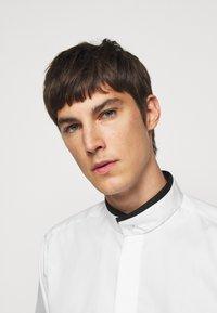 KARL LAGERFELD - MODERN FIT - Formal shirt - white - 5
